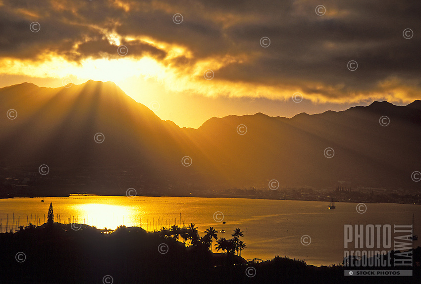 Another spectacular sunset over the Koolau Mountains and Kaneohe Bay. Oahu.