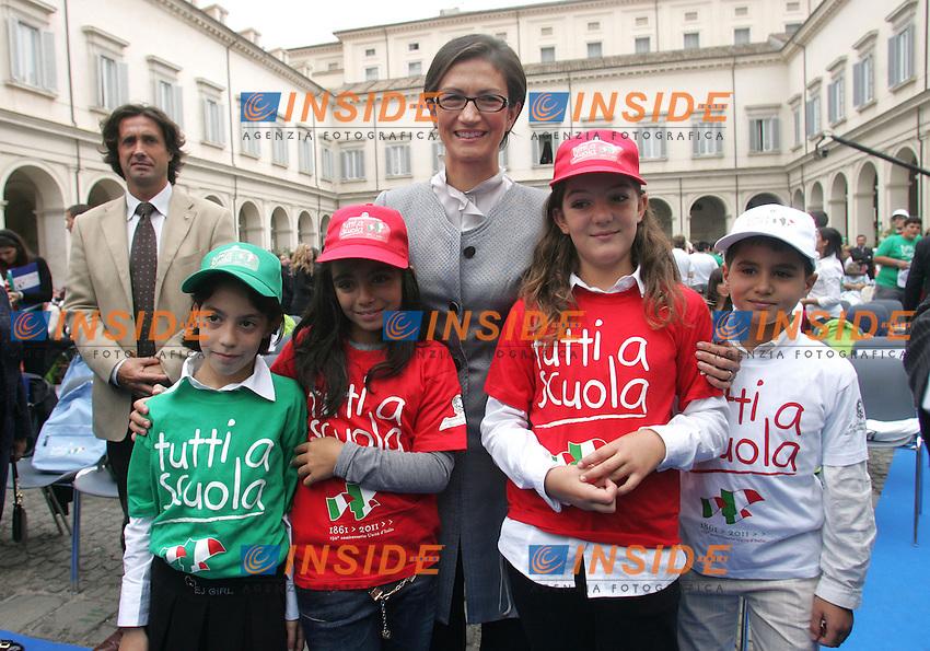 MARIASTELLA GELMINI CON GLI SCOLARI<br /> Roma 21/09/2010 Inaugurazione dell'anno scolastico 2010/2011 al Quirinale.<br /> Celebration for the beginning of the scolastic year.<br /> Photo Samantha Zucchi Insidefoto