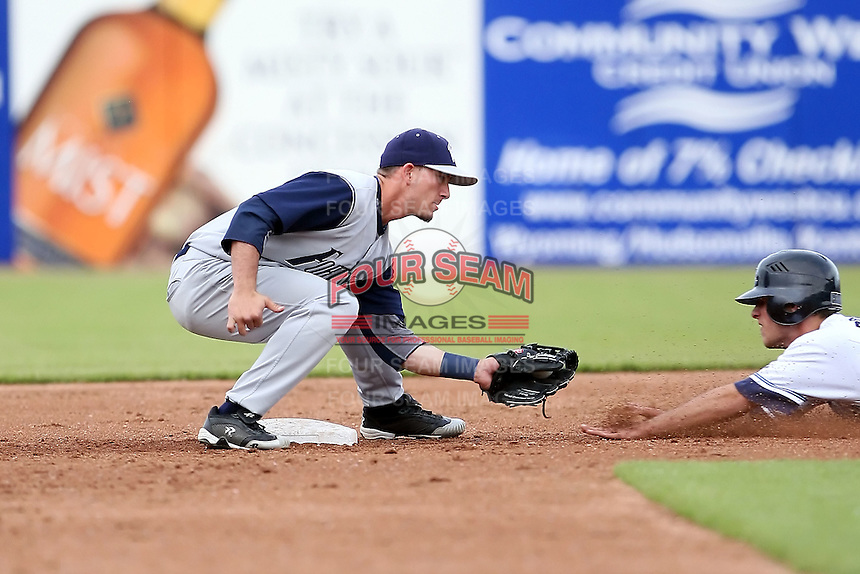 June 15 2008:  Shortstop Drew Cumberland (2) of the Fort Wayne Wizards, Class-A affiliate of the San Diego Padres, during a game at Fifth Third Field in Comstock Park, MI.  Photo by:  Mike Janes/Four Seam Images