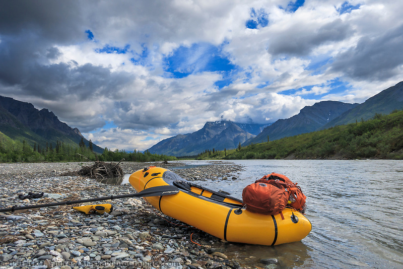 Packrafting on North Fork, Koyukuk River, Gates of the Arctic National Park, Brooks Range, Alaska.