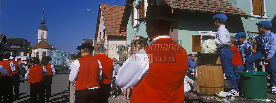 Europe/France/Alsace/67/Bas-Rhin/Krautergersheim : Fête de la choucroute-la fanfare