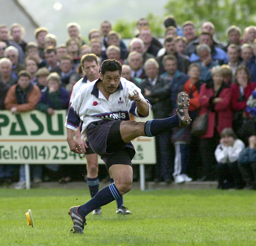 Photo. Richard Lane. .Rotherham v Bedford. Allied Dunbar Play Off. 24/5/2000.Mike Umaga.