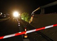 BAIANO ( AV ) AUTOBUS  TURISTISCO PRECIPITA DA UN VIADOTTO  DELL'AUTOSTRADA A16 OLTRE 30 LE VITTIME<br /> FOTO CIRO DE LUCA