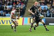 2nd December 2017, Rioch Arena, Coventry, England; Aviva Premiership rugby, Wasps versus Leicester; Danny Cipriani of Wasps runs at the Leicester Tigers defence