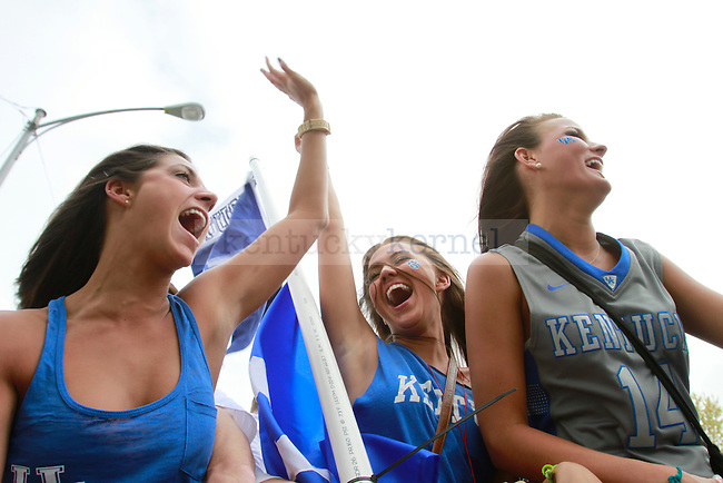 Freshmen Kelly Ionna, Taylor Watson, and Christine Oyler ride in the back of a Jeep around Lexington before the UK-Louisville Final Four game on March 31, 2012. Photo by Alex Lovan | StaffFans prepare for the UK-Louisville Final Four game on March 31, 2012, in Lexington, Ky. Photo by Alex Lovan | Staff