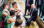 S&ouml;dert&auml;lje 2015-02-03 Basket Basketligan S&ouml;dert&auml;lje Kings - Norrk&ouml;ping Dolphins :  <br /> S&ouml;dert&auml;lje Kings tr&auml;nare headcoach coach Vedran Bosnic i aktion under en timeout under matchen mellan S&ouml;dert&auml;lje Kings och Norrk&ouml;ping Dolphins <br /> (Foto: Kenta J&ouml;nsson) Nyckelord:  S&ouml;dert&auml;lje Kings SBBK T&auml;ljehallen Norrk&ouml;ping Dolphins tr&auml;nare manager coach timeout