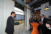ALGEMEEN: HEERENVEEN: 26-09-2013, Officiële opening De Broedstoof, Burgemeester Tjeerd van der Zwan en Wethouder Lykle Buwalda, ©foto Martin de Jong
