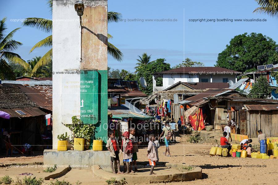 MADAGASCAR, Vohilava, market place / MADAGASKAR Mananjary, Vohilava, Marktplatz