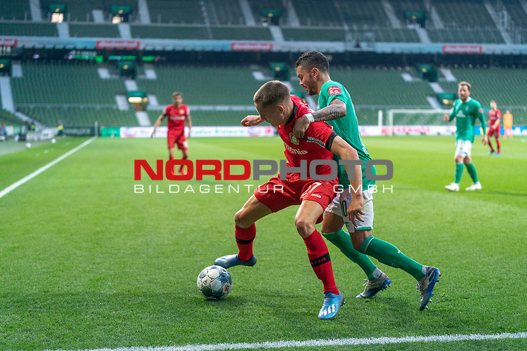 Florian Wirtz   (Leverkusen #27),<br /> LEONARDO BITTENCOURT  (WERDER BREMEN #10)<br /> <br /> Sport: Fussball: 1. Bundesliga: Saison 19/20: <br /> 26. Spieltag: SV Werder Bremen vs Bayer 04 Leverkusen, 18.05.2020<br /> <br /> Foto ©  gumzmedia / Nordphoto / Andreas Gumz / POOL <br /> <br /> Nur für journalistische Zwecke! Only for editorial use!<br />  DFL regulations prohibit any use of photographs as image sequences and/or quasi-video.