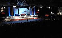 Deutsche Meisterschaft DM 2013 Fechten Säbel in Tauberbischofsheim - Gefecht in voller Finalhalle. Foto: Norman Rembarz
