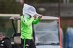 13.09.2017, Trainingsgelaende, Bremen, GER, 1.FBL, Training SV Werder Bremen<br /> <br /> im Bild<br /> Ludwig Augustinsson (Werder Bremen #5) k&auml;mpft mit Trainingsleibchen und Wind, <br /> <br /> Foto &copy; nordphoto / Ewert