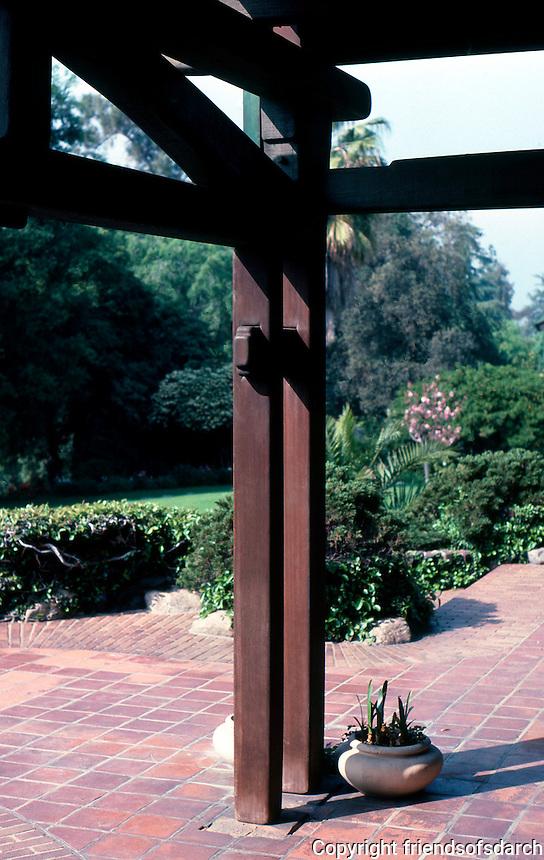 Greene & Greene: Gamble House. Post detail.  Photo '85.