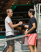 Rotterdam, Netherlands, 11 februari, 2018, Ahoy, Tennis, ABNAMROWTT,  Roger Federer practising with Thiemo de Bakker<br /> Photo: Henk Koster/tennisimages.com