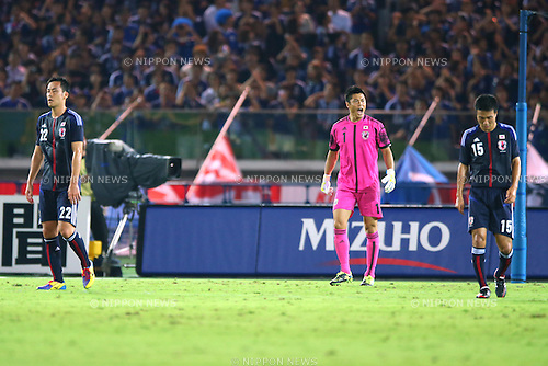 (L-R) Maya Yoshida, Eiji Kawashima, Yasuyuki Konno (JPN),<br /> SEPTEMBER 10, 2013 - Football / Soccer :<br /> Goalkeeper Eiji Kawashima of Japan reacts after conceding the opening goal during the Kirin Challenge Cup 2013 match between Japan 3-1 Ghana at Nissan Stadium in Kanagawa, Japan. (Photo by Kenzaburo Matsuoka/AFLO)