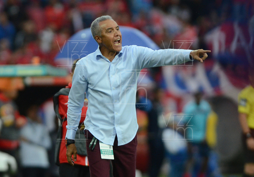 MEDELLÍN -COLOMBIA - 4-MARZO-2018:Alexis Mendoza director técnico del Atlético Junior durante partido contra el Deportivo Independiente Medellín. Independiente Medellín y Atlético Junior durante partido por la fecha 6  de la Liga Águila I 2018 jugado en el estadio Atanasio Girardot de la ciudad de Medellín. / Alexis Mendoza coach of Atletico Junior during match agaisnt Deportivo Independiente Medellin.Deportivo Independiente Medellin and Atletico Junior during match for date 6 of Aguila  League I 2018 at Atanasio Girardot stadium in Medellin city. Photo: VizzorImage/ León Monsalve /Contribuidor