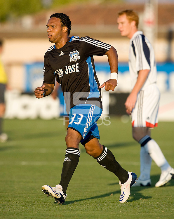16 August 2008: Scott Sealy of the Earthquakes in action during the game against the Revolution at Buck Shaw Stadium in Santa Clara, California.   San Jose Earthquakes defeated New England Revolution, 4-0.