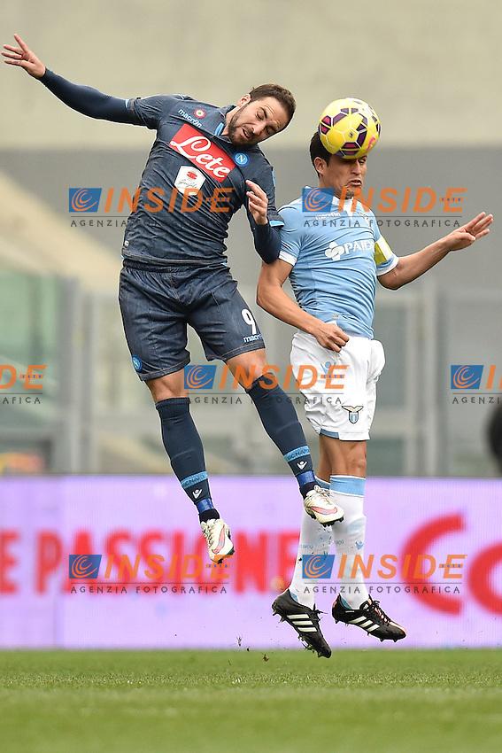 Gonzalo Higuain Napoli, Cristian Ledesma Lazio <br /> Roma 18-01-2015 Stadio Olimpico, Football Calcio Serie A Lazio - Napoli. Foto Andrea Staccioli / Insidefoto