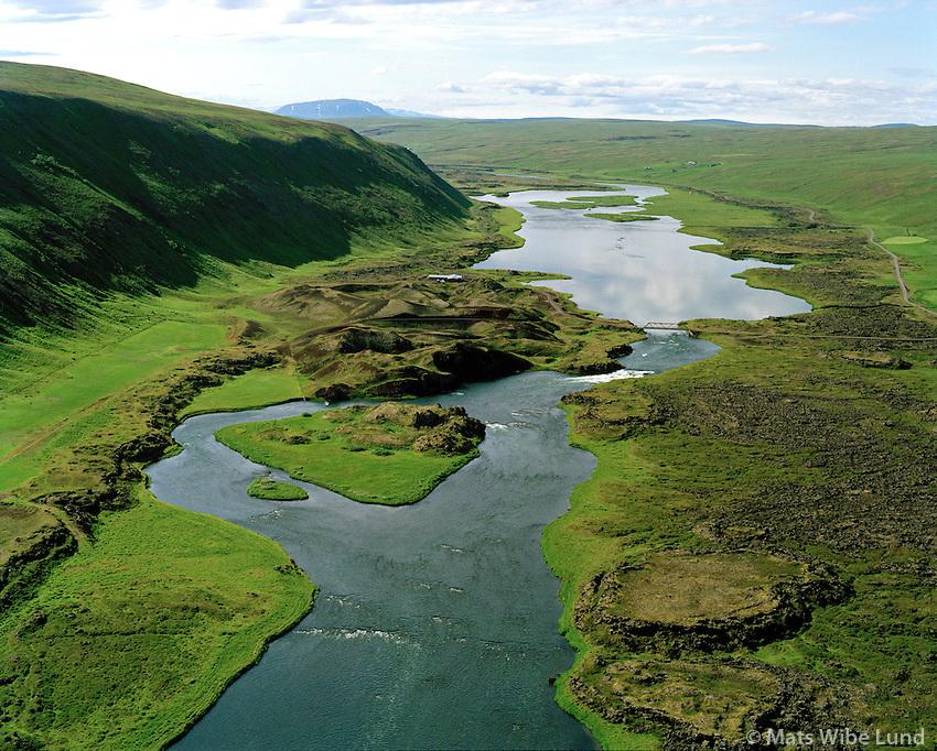 Sog, Rauðhólar, Laxá séð til suðurs, Þingeyjarsveit áður Reykdælahreppur. / Sog, Raudholar dn Laxa viewing south, Thingeyjarsveit former Reykdaelahreppur.