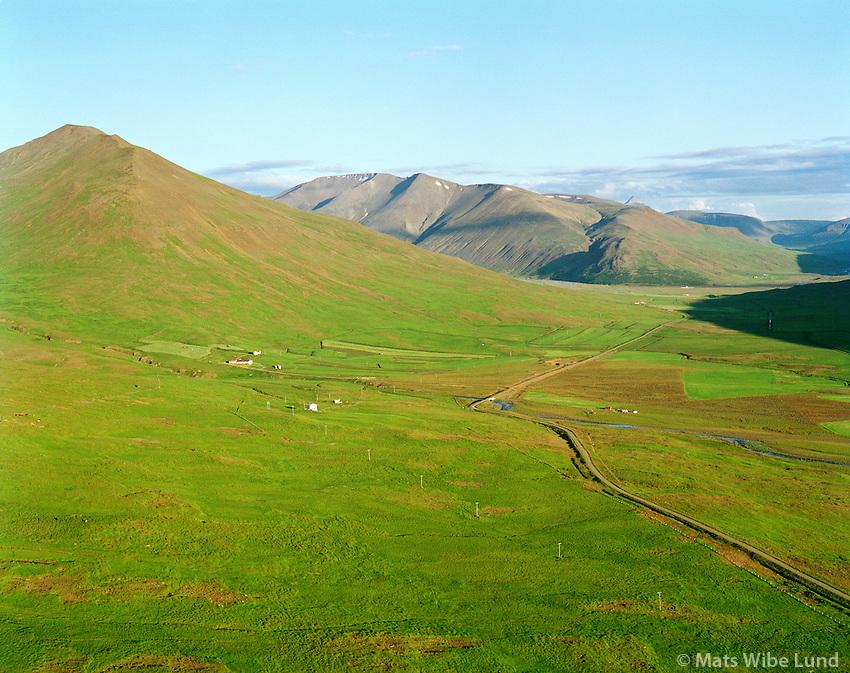 Kolsstaðir og Háafell séð til suðurs, Dalabyggð áður Miðdalahreppur / Kolsstadir and Haafell viewing south. Dalabyggd former Middalahreppur.
