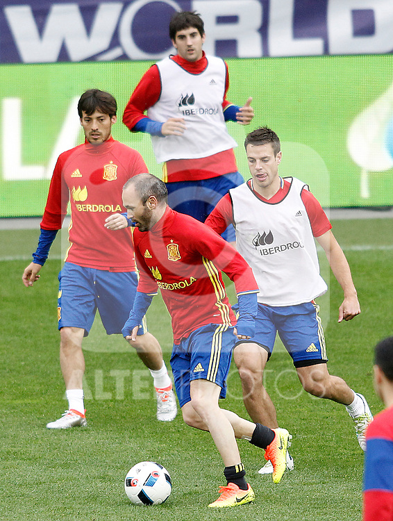 Spain's David Jimenez Silva, Andres Iniesta, Mikel San Jose and Cesar Azpilicueta during training session previous friendly match. May 31,2016.(ALTERPHOTOS/Acero)