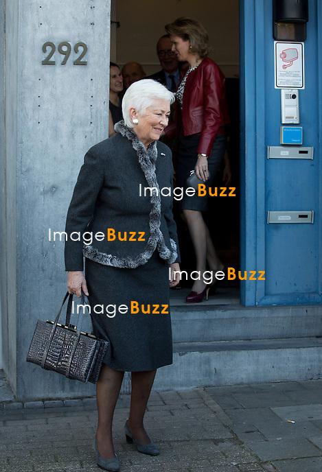 La reine Mathilde de Belgique reprend la Pr&eacute;sidence d&rsquo;Honneur de Child Focus ; <br /> fondation pour enfants disparus et sexuellement exploit&eacute;s. La reine Mathilde de Belgique et la reine Paola de Belgique &eacute;taient pr&eacute;sentent ce vendredi 31/01, dans les bureaux de Child Focus o&ugrave; la reine Paola a donn&eacute;e sa place de Pr&eacute;sidente d'Honneur &agrave; la princesse Mathilde, place qu&quot;elle occupait depuis 2002.<br /> Belgique, Bruxelles, 31/01/2014<br /> <br /> Queen Mathilde of Belgium and Queen Paola of Belgium  pictured during the ceremony at the Child Focus' offices as Queen Mathilde of Belgium succeeded as honorary President of Child Focus, to Queen Paola, Friday 31 January 2014, in Brussels. Child Focus is the foundation for missing and sexual exploited children who  recently celebrated its fifteen anniversary.<br /> Belgium, Brussels, January 31, 2014.