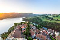 France, Loire (42), Saint-Jean-Saint-Maurice-sur-Loire, la Loire et lac de Villarest vu depuis le sommet de la tour
