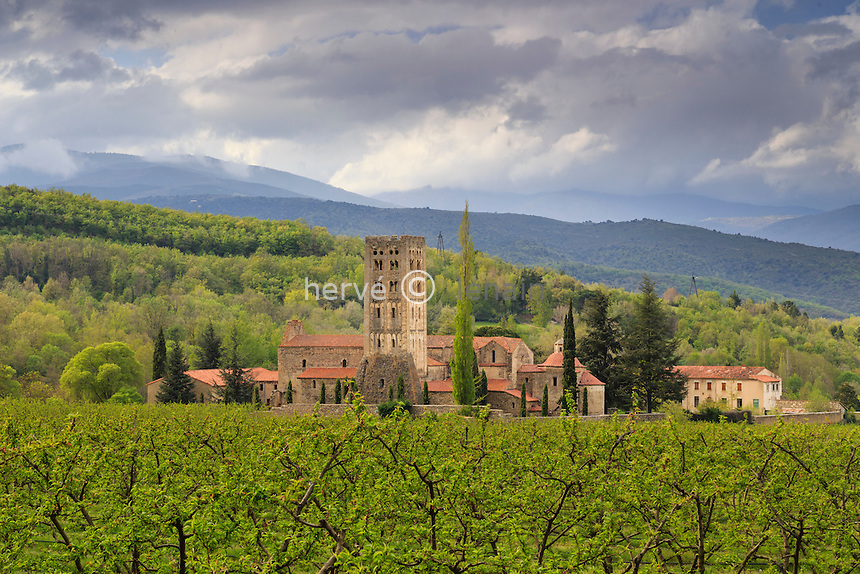 France, Pyrénées-Orientales (66), Codalet, abbaye de Saint-Michel de Cuxa // France, Pyrenees Orientales, Codalet, Saint Michel de Cuxa abbey