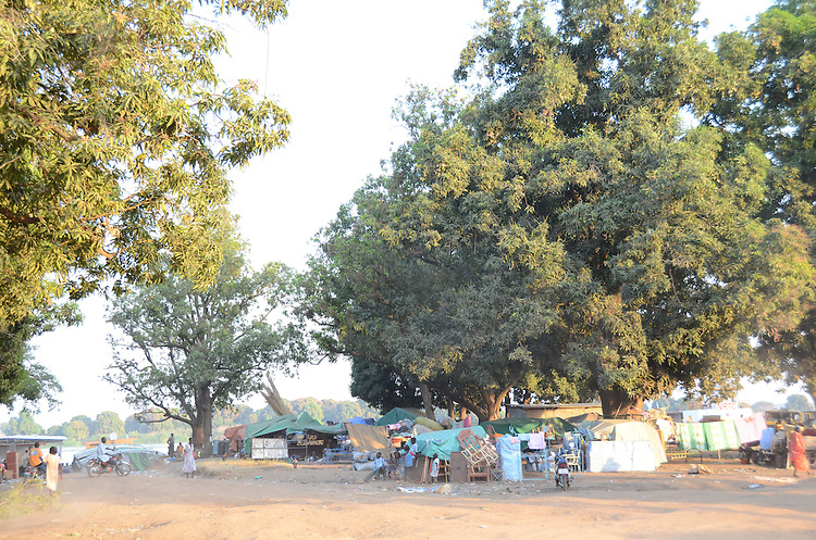 Returnees to South Sudan from the north make temporary camp on the banks of the Nile at Juba having made the week-long journey from Kosti.