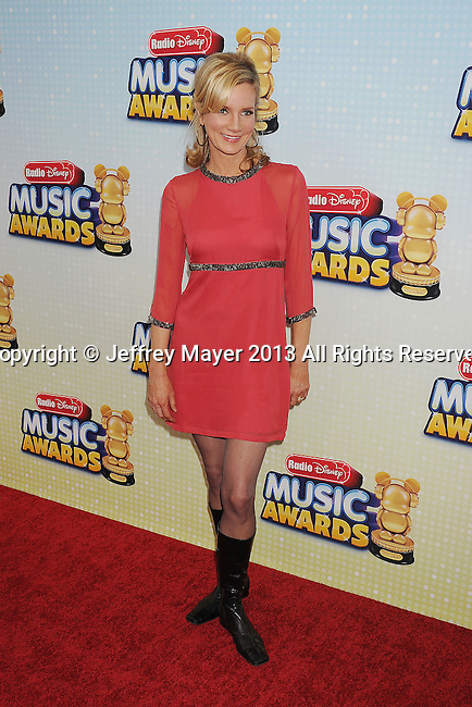 LOS ANGELES, CA- APRIL 27: Actress Beth Littleford arrives at the 2013 Radio Disney Music Awards at Nokia Theatre L.A. Live on April 27, 2013 in Los Angeles, California.