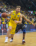 10.05.2019, EWE Arena, Oldenburg, GER, easy Credit-BBL, EWE Baskets Oldenburg vs Mitteldeutscher BC, im Bild<br /> Haris HUJIC (EWE Baskets Oldenburg #5 ) Trevor RELEFORD (Mitteldeutscher BC #12 )<br /> <br /> Foto © nordphoto / Rojahn