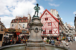 20050519 - France - Dijon<br /> REPORTAGE SUR LA VILLE DE DIJON : PLACE FRANCOIS RUDE<br /> Ref: DIJON_001-148 - © Philippe Noisette