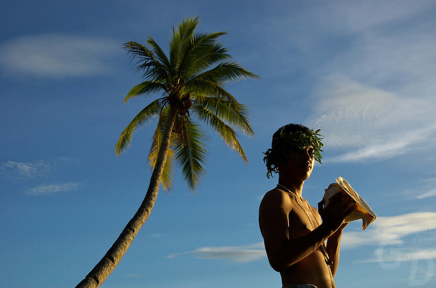 Chuuk Micronesia, Blowing the Shell, Welcome in the Pacific
