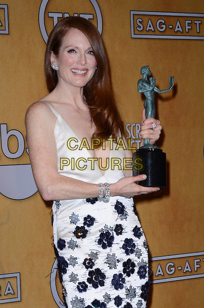 Julianne Moore (wearing Chanel).Pressroom at the 19th Annual Screen Actors Guild Awards held at The Shrine Auditorium, Los Angeles, California, USA..27th January 2013.SAG SAGs half length black white floral embroidery print dress  couture award trophy winner  .CAP/ADM/TW.©Tonya Wise/AdMedia/Capital Pictures.