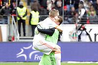 Bastian Schweinsteiger und Manuel Neuer (Bayern) jubeln ueber die Meisterschaft