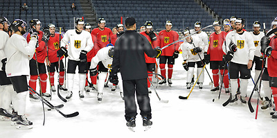 Friday, 5 May, 2017,Lanxess Arena , Cologne/GER<br /> IIHF World Hockey Championship 2017<br /> USA  vs  GER<br /> German national team Warm Up<br /> German headcoach, Marco Sturm shows the way