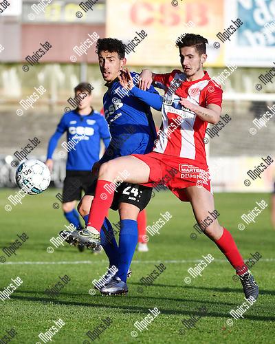 2016-11-27 / Voetbal / Seizoen 2016-2017 / Rupel-Boom - Hoogstraten VV / Yannick Put (l. Rupel-Boom) met Gianni Vets<br /> <br /> ,Foto: Mpics.be
