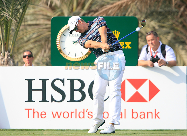 Henrik Stenson tees off on the 14th tee during Thusday Day 1 of the Abu Dhabi HSBC Golf Championship, 20th January 2011..(Picture Eoin Clarke/www.golffile.ie)