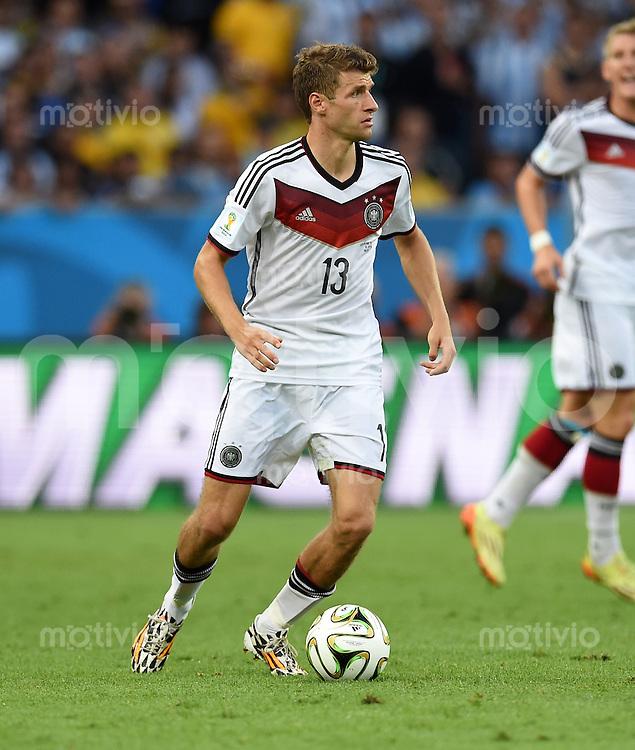 FUSSBALL WM 2014                FINALE Deutschland - Argentinien     13.07.2014 Thomas Mueller (Deutschland) am Ball
