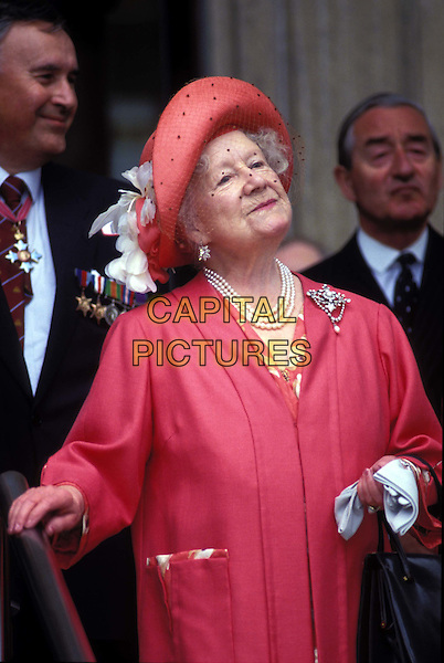 QUEEN MOTHER.royalty, half length, half-length.*RAW SCAN - photo will be adjusted for publication*.www.capitalpictures.com.sales@capitalpictures.com.© Capital Pictures