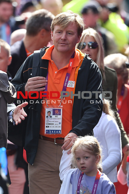 29.07.2012, Buckingham Palace, London, GBR, Radrennen, im Bild<br /> <br /> Prinz Willem Alexander und Maxima (Holland) sind beim Radrennen<br /> <br /> Foto &copy; nph / Mueller