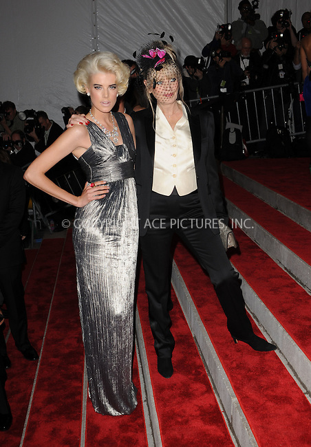 WWW.ACEPIXS.COM . . . . . ....May 4 2009, New York City....Agyness Deyn and Twiggy arriving at 'The Model as Muse: Embodying Fashion' Costume Institute Gala at The Metropolitan Museum of Art on May 4, 2009 in New York City....Please byline: KRISTIN CALLAHAN - ACEPIXS.COM.. . . . . . ..Ace Pictures, Inc:  ..(212) 243-8787 or (646) 679 0430..e-mail: picturedesk@acepixs.com..web: http://www.acepixs.com