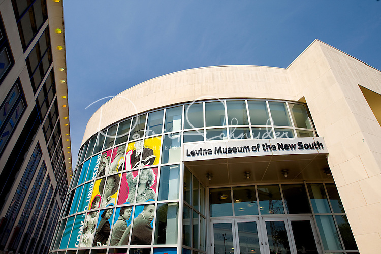 Exterior photo of Charlotte Levine Museum of the New South.
