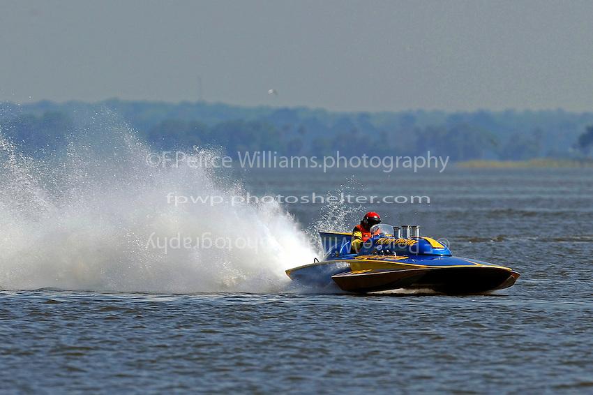 """Larry Lauterbach,  F-60 """"Wildcatter"""" (266 class Lauterbach hydroplane)"""