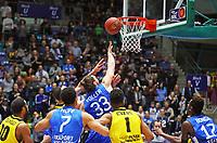 Marco Völler (Fraport Skyliners) wirft und trifft nur den Ring - 04.02.2018: Fraport Skyliners vs. MHP Riesen Ludwigsburg, Fraport Arena Frankfurt