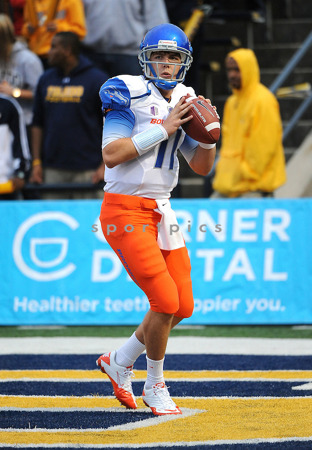 KELLEN MOORE, of the Boise State Broncos, in action during Boise States game against the Toledo Rockets on September 16, 2011, at the Glass Bowl in Toledo, OH. Boise State beat Toledo 40-15.