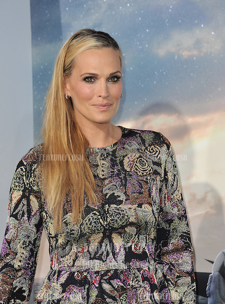 Molly Sims at the Los Angeles premiere of Interstellar at the TCL Chinese Theatre, Hollywood.<br /> October 26, 2014  Los Angeles, CA<br /> Picture: Paul Smith / Featureflash