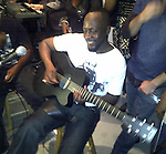 Wyclef Jean singing 12/05/2010