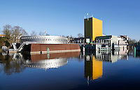 Nederland Groningen 2016. The Groninger Museum is an art museum in the city of Groningen The museum exhibits modern and contemporary art of local, national, and international artists. The current post-modernist building consists of three main pavilions designed individually by architects Philippe Starck, Alessandro Mendini, Coop Himmelb(l)au, and was completed in 1994. Foto Berlinda van Dam / Hollandse Hoogte