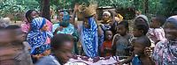 Afrique/Afrique de l'Est/Tanzanie/Zanzibar/Ile Unguja: dans un village de la Jozani Forest sur un marché