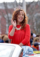 STAFF PHOTO BEN GOFF  @NWABenGoff -- 12/13/14 America's US Miss Arkansas Elizabeth Woodard rides in the Bentonville Christmas parade through downtown on Saturday Dec. 13, 2014.